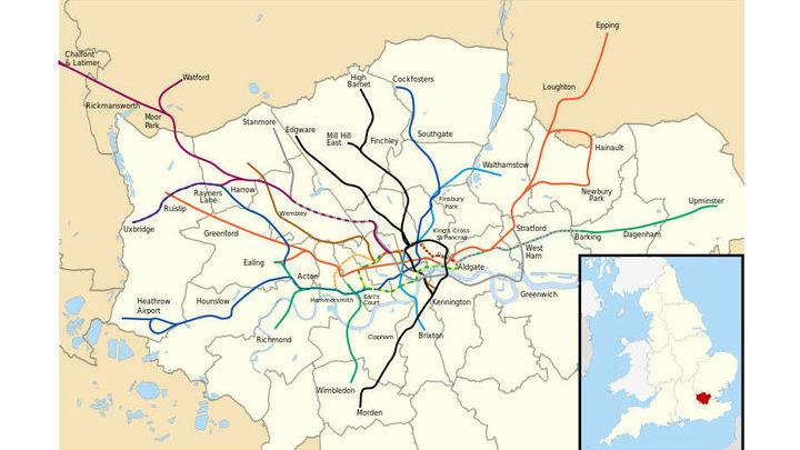 Лондонский метрополитен был выбран не случайно. Для многих путешественников он представляет определённую сложность, так как на одну станцию приходят поезда разных линий, а сами они ветвятся и даже петляют.