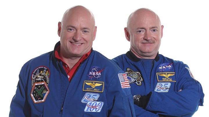 Близнецы Скотт и Марк Келли √ астронавты НАСА, на примере которых эксперты изучали влияние космоса на ДНК человека.