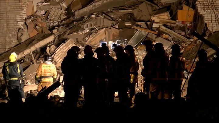 Двое пострадавших при взрыве на заводе в Гатчине остаются в больнице