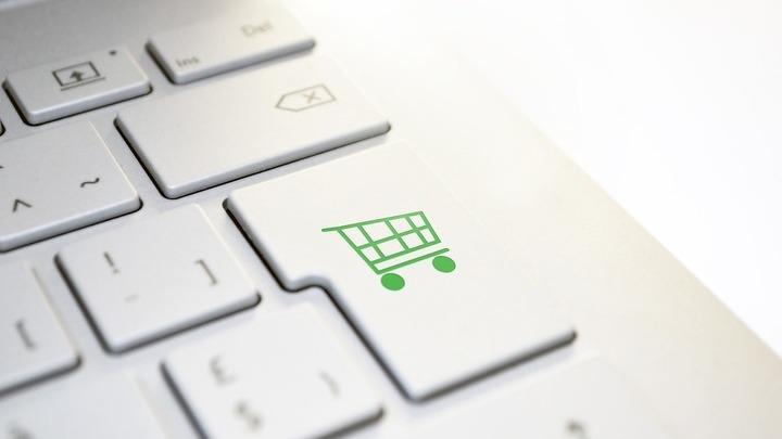 """""""Тёмные схемы"""": как онлайн-магазины заставляют покупать ненужное"""