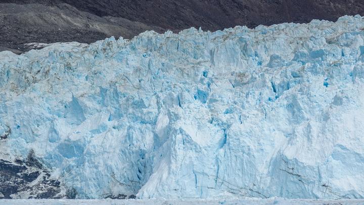 """Как выяснили исследователи, """"спусковым крючком"""" для радикального изменения климата Земли стал ледниковый щит, перекрывший Берингов пролив."""