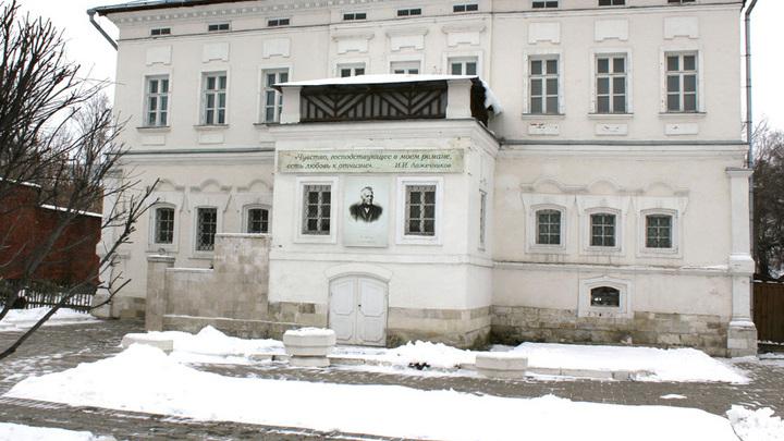 С 1700 годов тут жили купцы Ложечниковы, однажды ставшие Лажечниковыми, как и будущий писатель Иван Лажечников. Фото Л.Варебруса