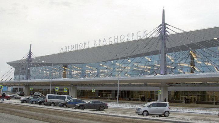 Самолет компании Azur Air сел в Красноярске из-за сигнала о поломке