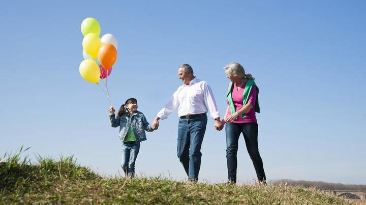 Хотите улучшить настроение? Пожелайте окружающим людям счастья и здоровья.