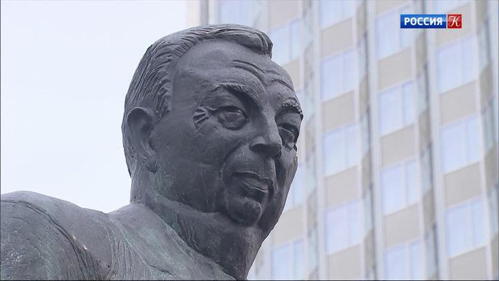 В Москве открыли памятник государственному деятелю Евгению Примакову