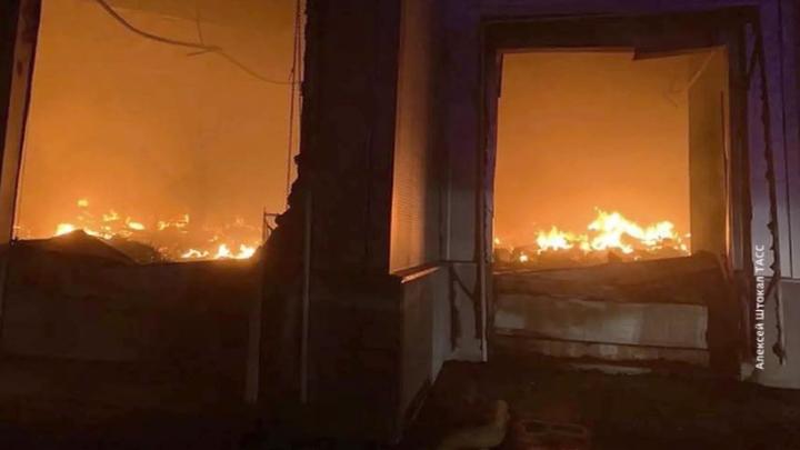 В подмосковном Жуковском тушат крупный пожар