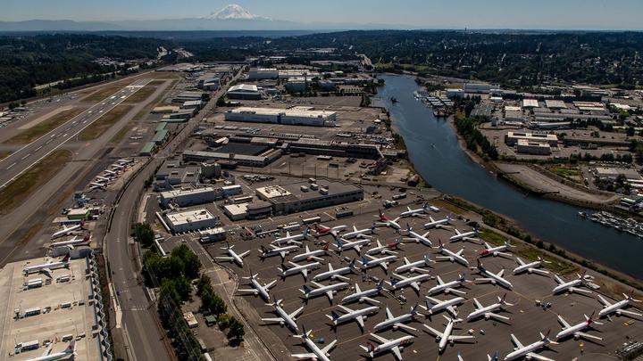 Корпорация Boeing надеется, что в ближайшие полгода 737 MAX вернутся к полетам