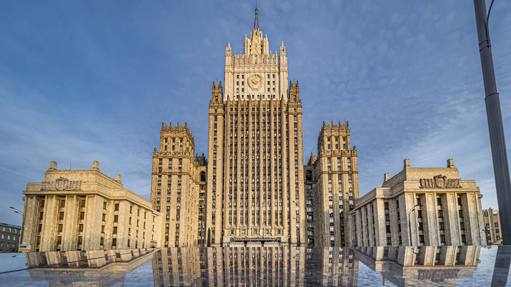 МИД России заявило протест американскому послу в связи с поддержкой несанкционированных акций