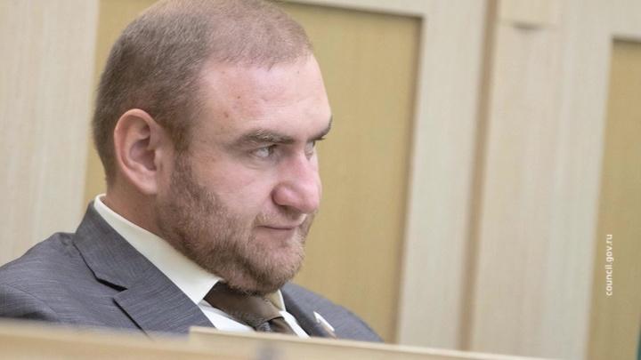 Отменено решение о продлении ареста Арашуковых