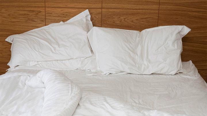 Врач посоветовал для борьбы с бессонницей правильно использовать кровать
