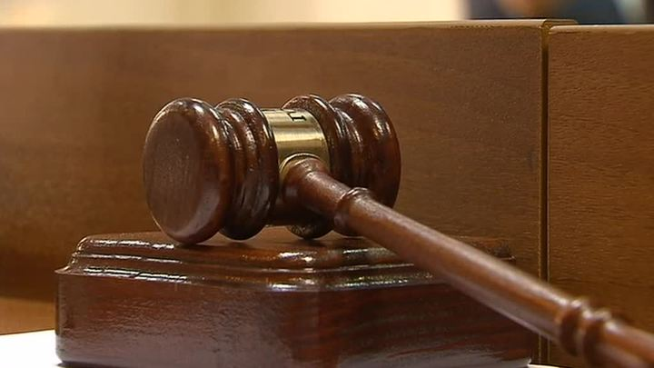 Жителя Ялты, закидавшего камнями съемочную группу телеканала, ждет суд