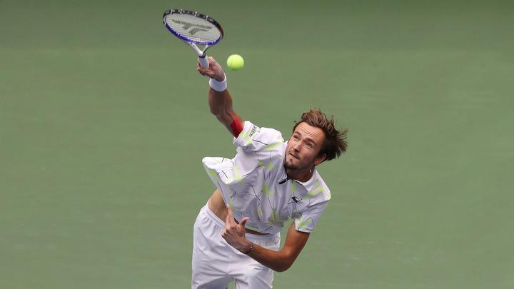 Теннисист Медведев пробился в четвертьфинал Олимпиады в одиночном разряде
