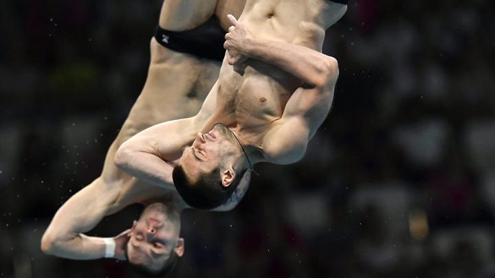 Бондарь и Минибаев взяли серебро в прыжках с вышки