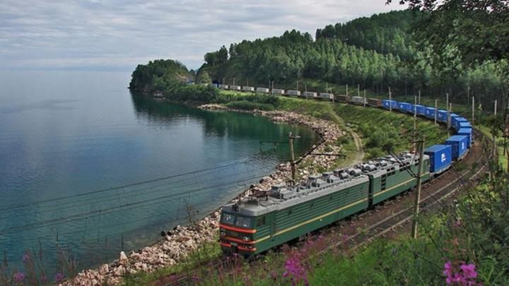 Якутия планирует нарастить добычу угля и расширить БАМ