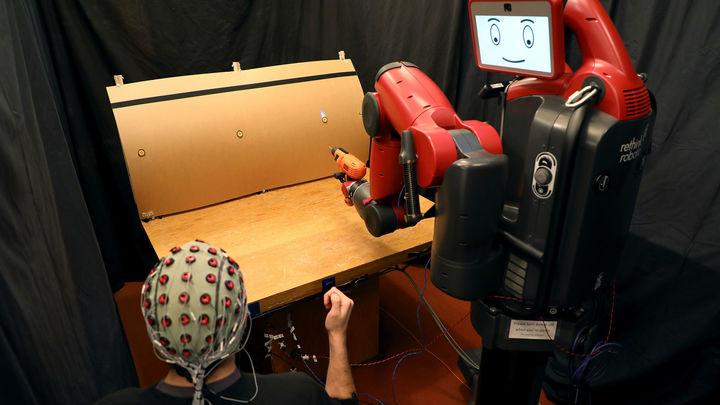 Сила мысли и жесты: управление роботами становится ещё более интуитивным