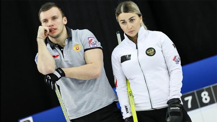 Россияне одержали первую победу на чемпионате мира по керлингу в дабл-миксте