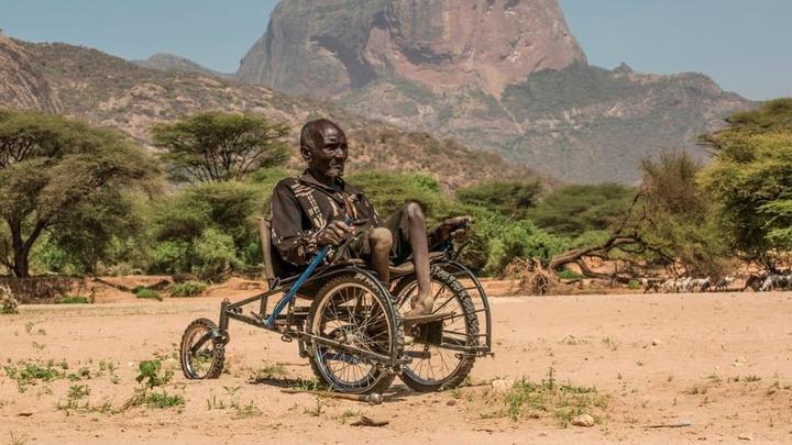 Новое инвалидное кресло SafariSeat поможет передвигаться по любой местности