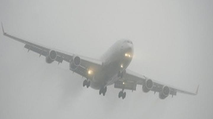 Самолеты не смогли приземлиться в Кемерове из-за тумана