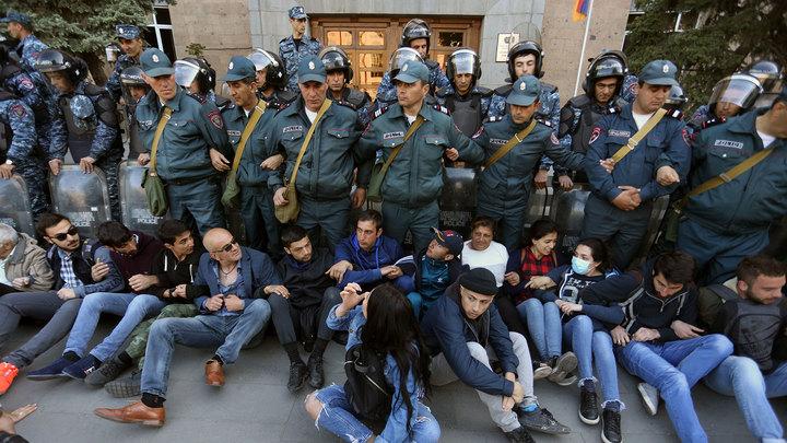 В Ереване задержаны 26 участников акции протеста