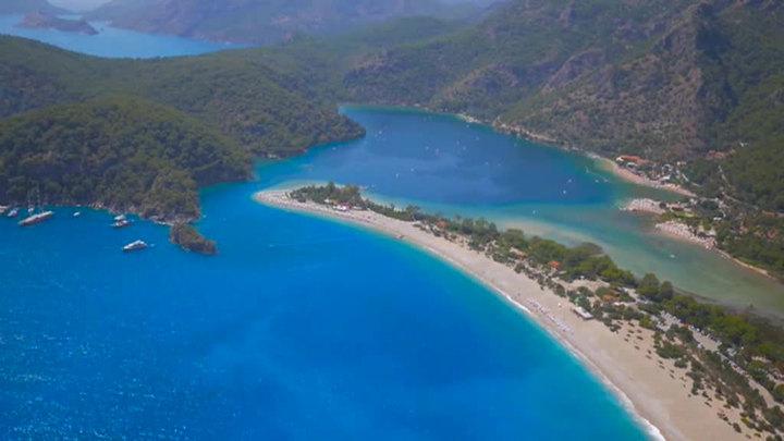 Стоимость забронированных на июнь туров из России в Турцию составляет 25 млрд рублей
