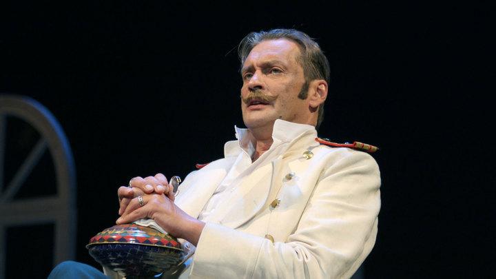 Домогаров пожаловался на сорвавшего спектакль зрителя