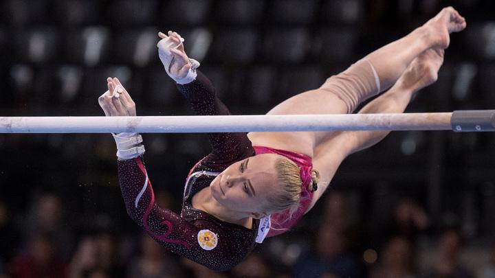 Гимнастка Мельникова выиграла золото в упражнениях на брусьях