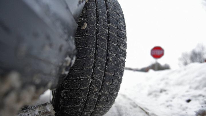 Водителям в Москве рекомендуют сменить зимнюю резину на летнюю