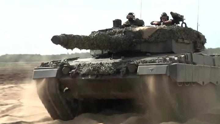 НАТО призывает Россию не бояться. Германия угрожает оружием