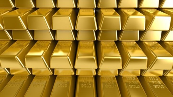 Денег нет: российские банки распродают золото
