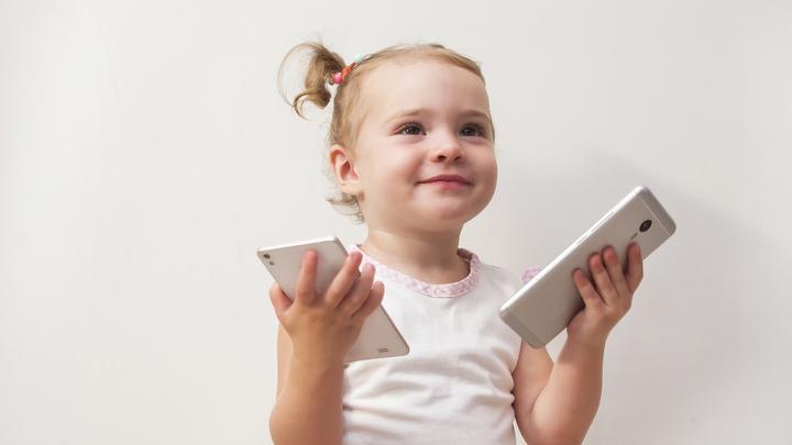Минцифры: инструменты родительского контроля должны иметься на всей продающейся электронике
