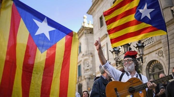 Комендантский час перестанет действовать в Каталонии с 9 мая