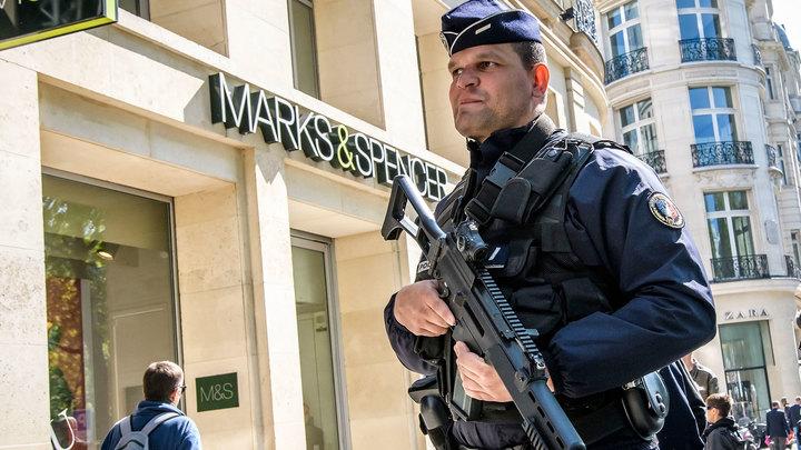 Два человека получили ранения в результате стрельбы в Париже