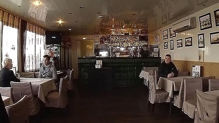 В Крыму в кафе с привитым от COVID-19 персоналом установят спецтаблички