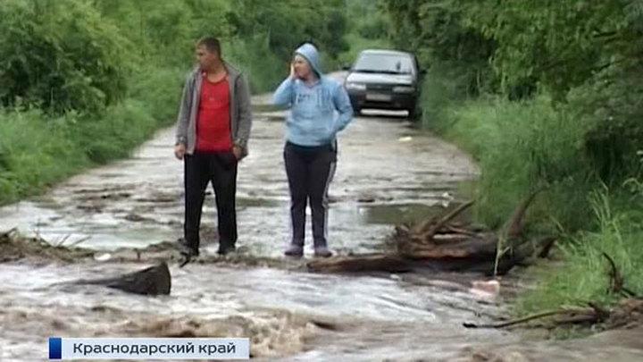 Время считать убытки: юг России восстанавливают после мощного урагана