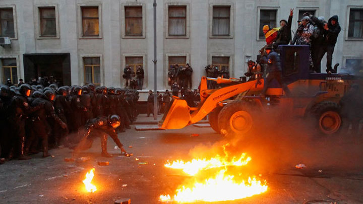 Годовщина Дня достоинства: пустой Майдан и разочарование украинцев