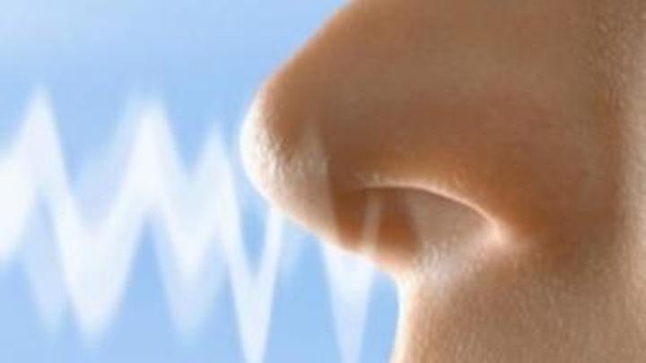 Переболевшие COVID-19 могут путать запахи