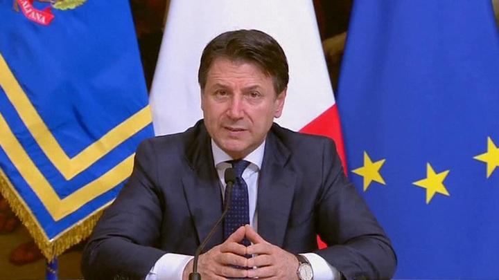Премьер Италии Джузеппе Конте подаст в отставку