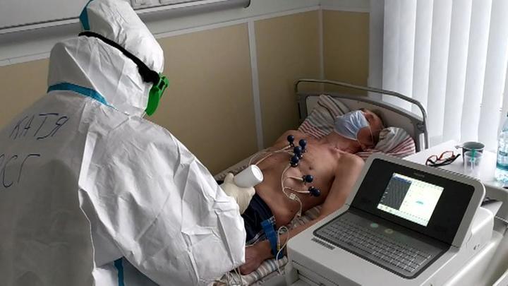 Кабмин РФ одобрил выплату медперсоналу, работающему с зараженными Covid-19