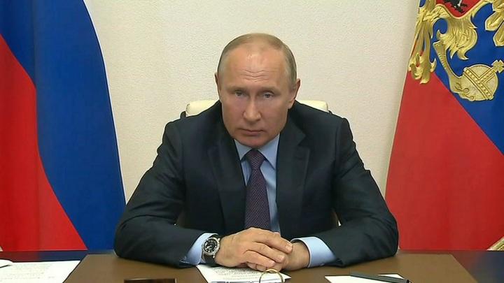 Мрачновато шутите: Путин прокомментировал перепалку Жириновского и Миронова