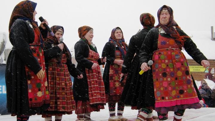 Бурановские бабушки. Фото - Лариса Горбунова /ru.wikipedia.org/