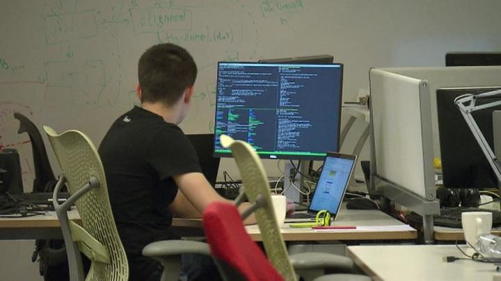 Госдума предложила обязать предприятия размещать в интернете сведения о вакансиях