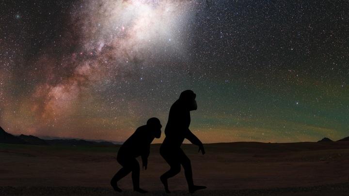 Предки человека могли наблюдать яркое свечение, исходящее из центра Млечного Пути.