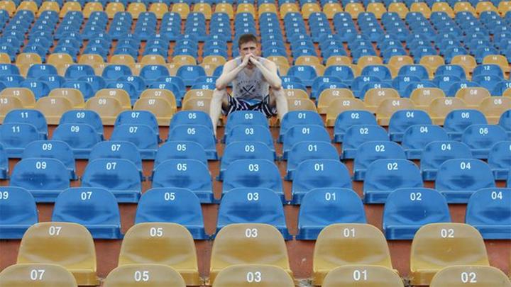 Премьер-лига может сократить число болельщиков на футбольных стадионах