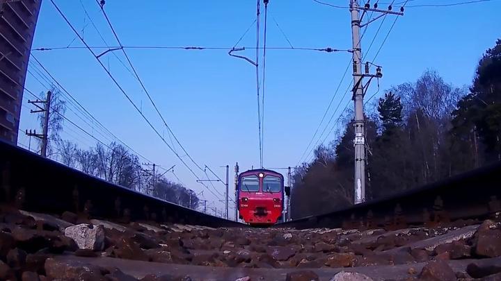 В Новосибирской области две девочки погибли под колесами электрички