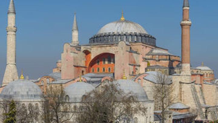 Подозреваемого в вооруженном нападении на трех россиян в Стамбуле задержали