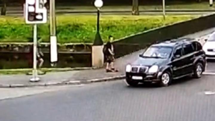 В Петербурге мужчина в упор выстрелил в голову юному скейтбордисту