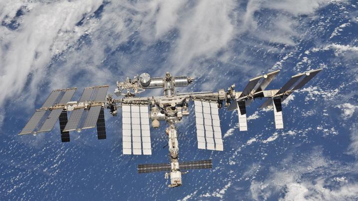 Российский космонавт напечатал на МКС хрящевую ткань человека.