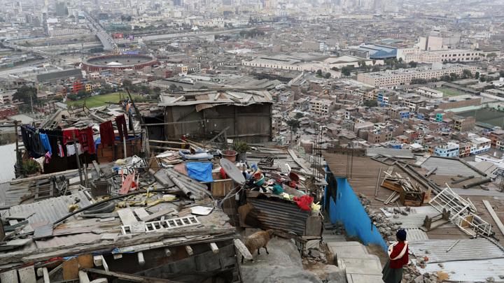 Из-за COVID-19 Латинской Америке грозят голод и массовая миграция