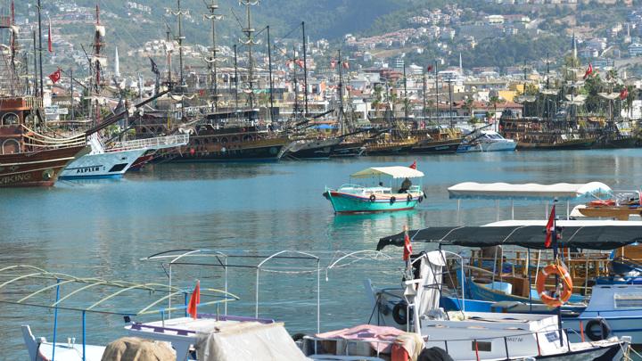 Турция в шоке: российские туристы не принесут прибыль