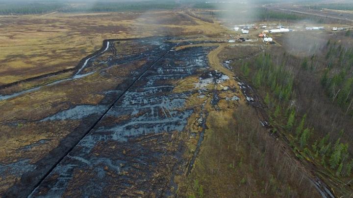 Крупная утечка нефти произошла на Ямале
